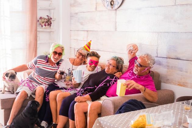 DIY_Faça_uma_festa_de_carnaval_em_casa
